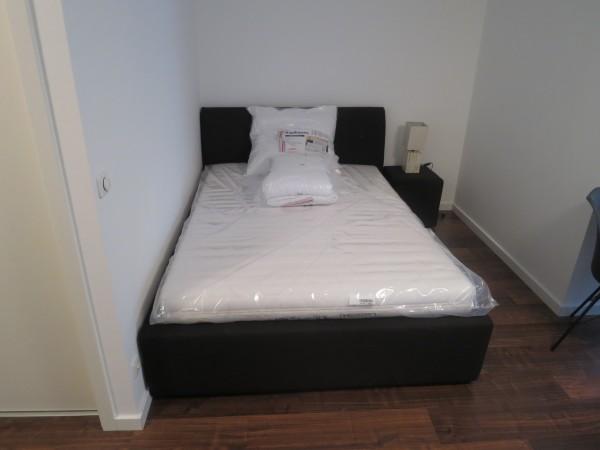 Schlafnische mit Doppelbett
